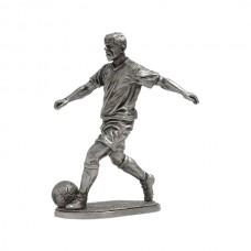 Футболист - полузащитник (хавбэк)